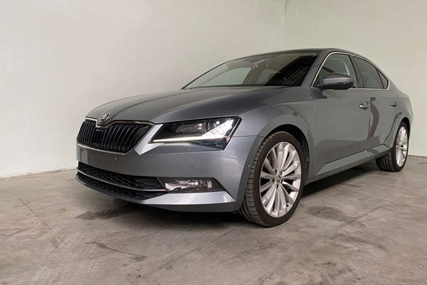 Kenidi: Skoda Superb